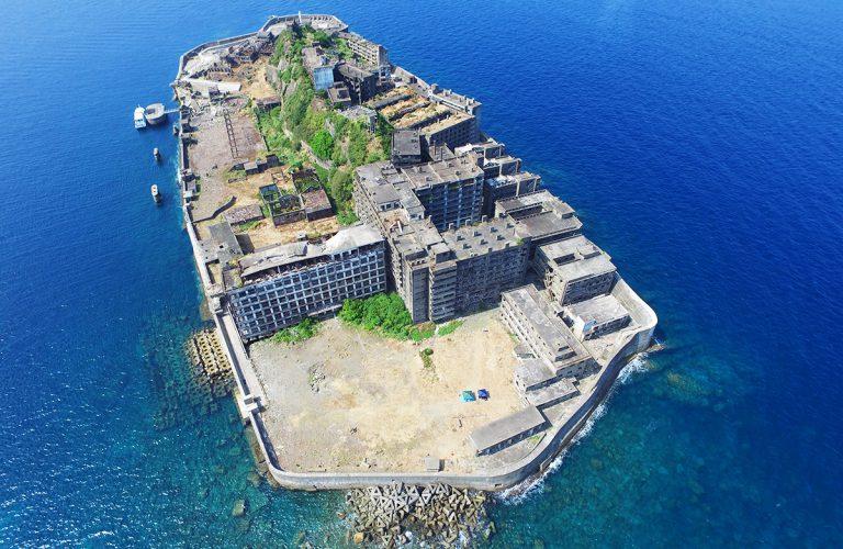 「軍艦島」にて空撮